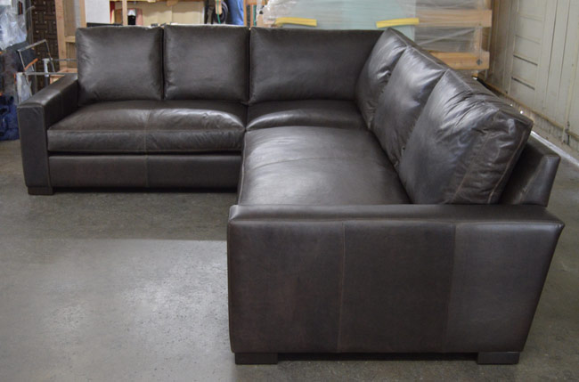 Right Arm Facing view of the Braxton Mini L Sectional Sofa in Italian Berkshire Anthracite Leather